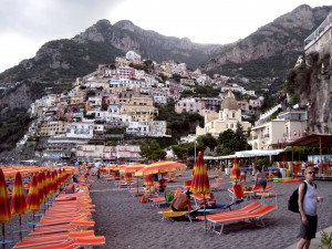 061_positano_beach_buildings_hill_kath