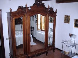 379_casale_a_poggiano_closet