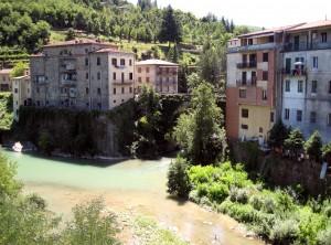 400_castelnuovo_di_garfagnana_river