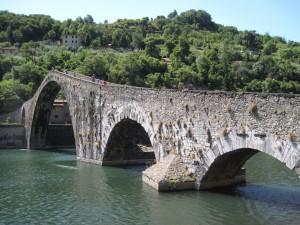 416_ponte_del_diavolo_kath_coming_down
